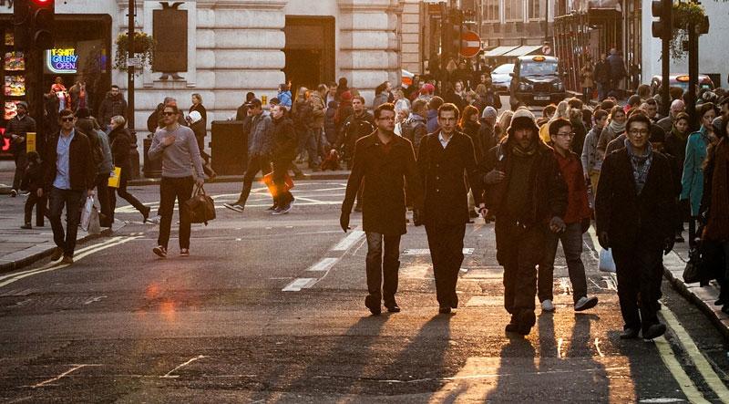 movimento-humanista-cresce-e-represalia-tambem-rua-da-cidade