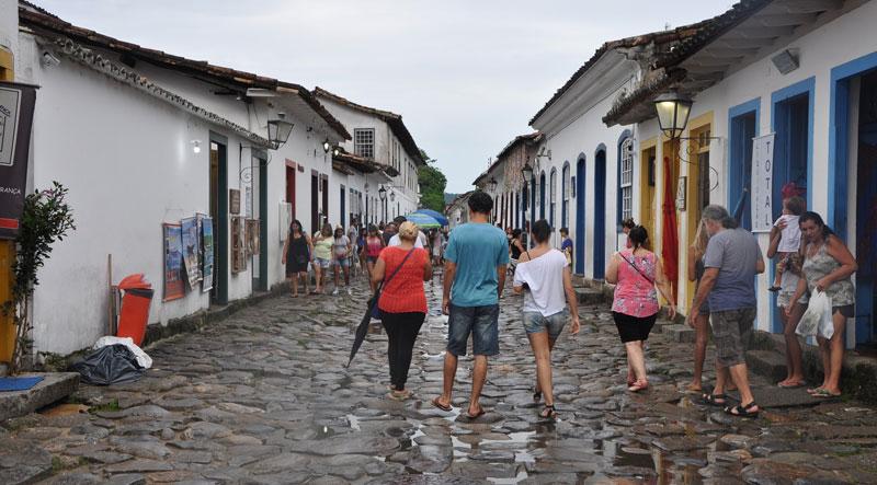 o-humanismo-e-a-literatura-portuguesa-pessoas-locais